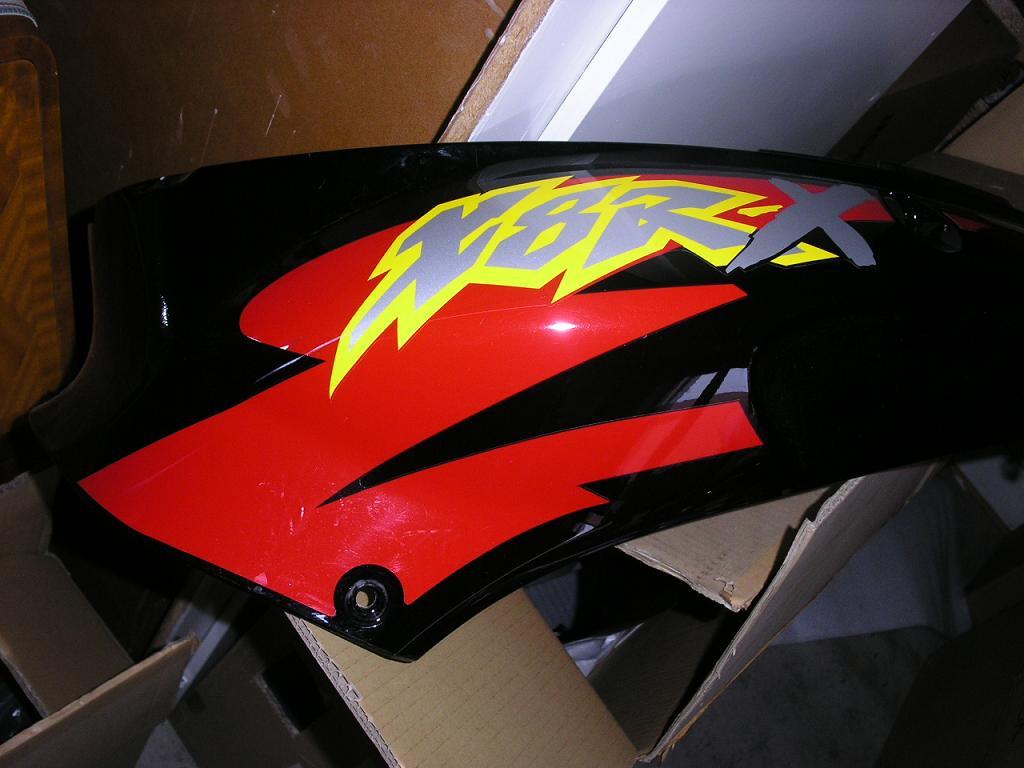 Sidokåpa till Honda SZX 50X X8RX, 2000